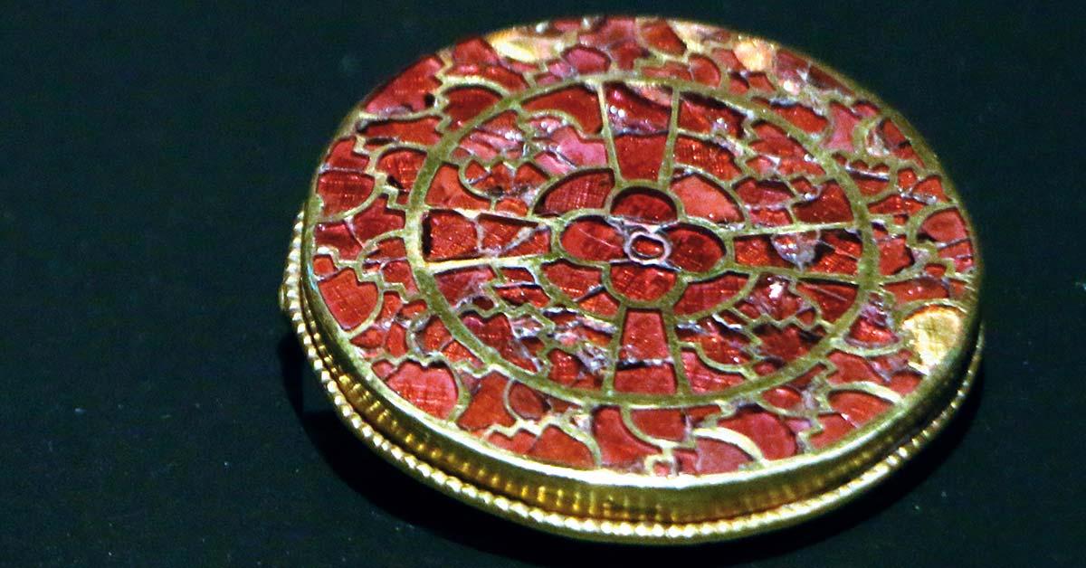 La parure de la reine Arégonde: splendides bijoux de l'époque mérovingienne